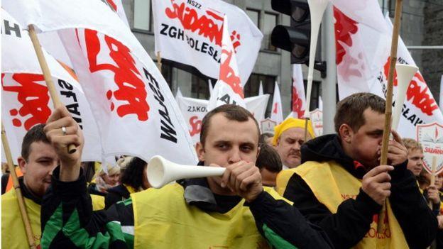 polonia ley dominical uniones laborales