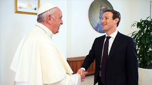 Papa Francisco recibe al fundador y director de Facebook, Mark Zuckerberg